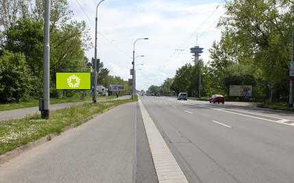Pardubice - ulice Hradecká, před mostem P. Wonky