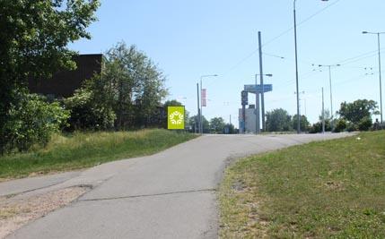 Pardubice - ulice Kpt. Bartoše, hypermarket Albert, směr centrum