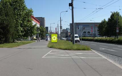 Pardubice - ulice Hradecká / Sukova třída, směr centrum