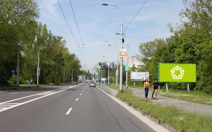 Pardubice - ulice Hradecká, pravý za mostem