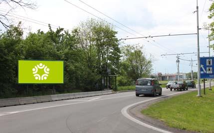 Pardubice - ulice Poděbradská, autobusová zastávka Trnová