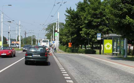 Pardubice - ulice Poděbradská, zastávka Globus ZC.