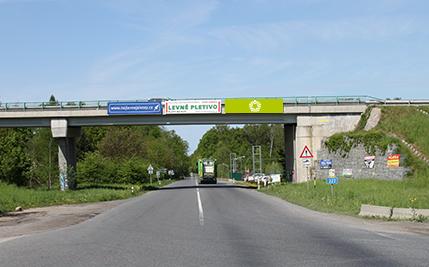 Černá za Bory - ulice Staročenská, směr Pardubice, třetí