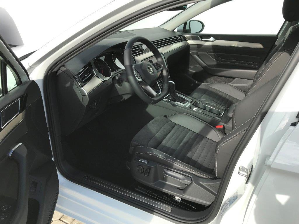 volkswagen-passat-variant-elegance-7dsg-1-5tsi-110kw5d9db6add882a.jpg